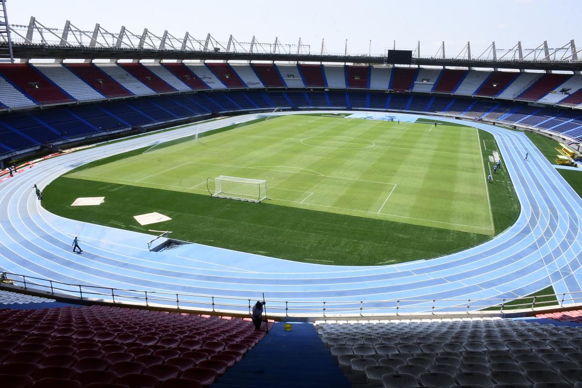 Aspecto general del nuevo gramado del estadio Metropolitano Roberto Meléndez.