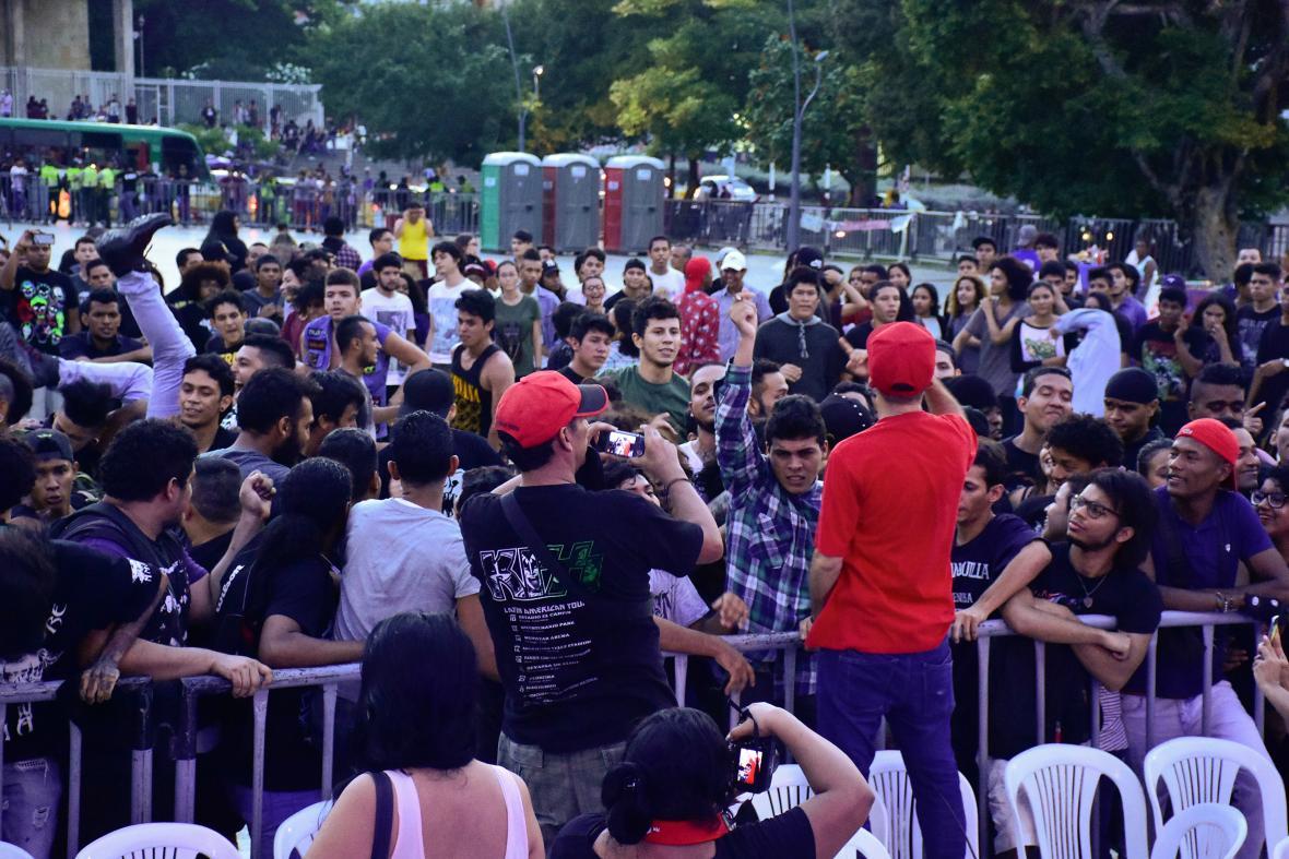 El grupo Sabia Actitud puso a 'poguear' al público.