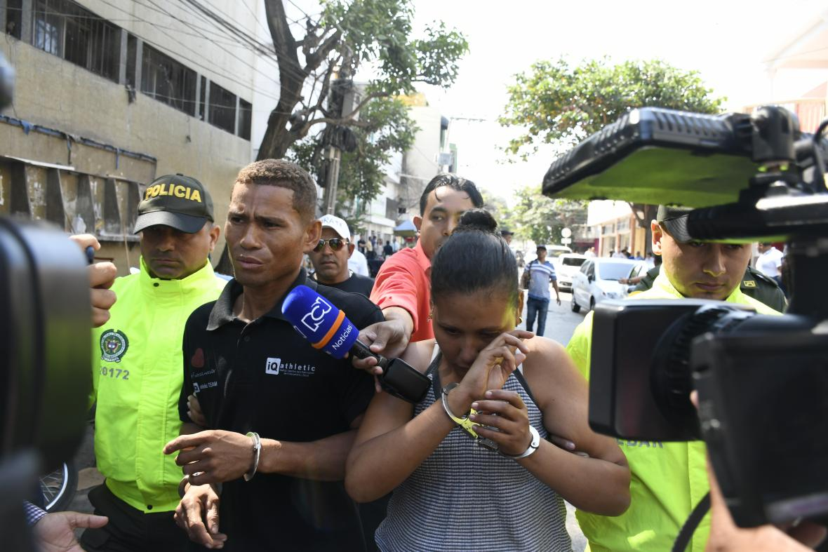 La pareja fue capturada en Calamar (Bolívar), la madrugada del viernes y conducida a la URI de la Fiscalía el mismo día.