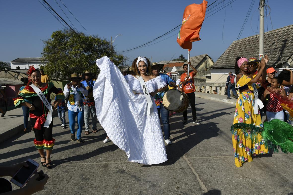 La reina popular también acompañó el recorrido.