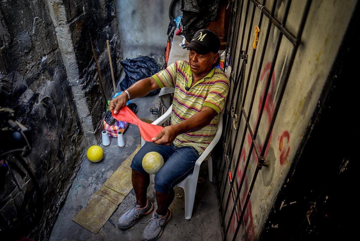 El guardián de la bola e' trapo | El Heraldo