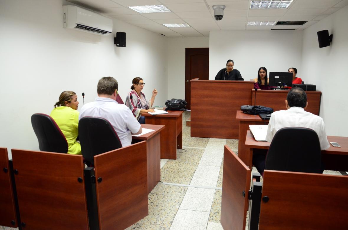 Aspectos de una audiencia de los condenados por el crimen.