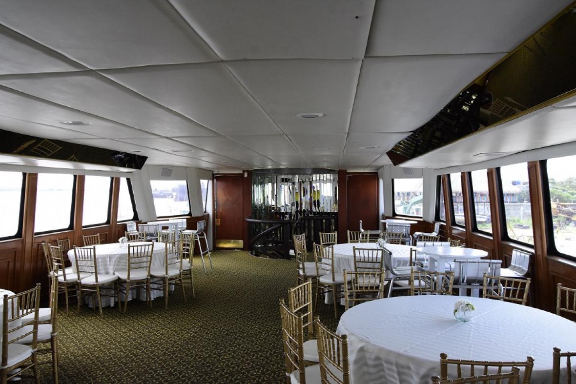 En el Gran Salón hay un espacio usado para cenar.