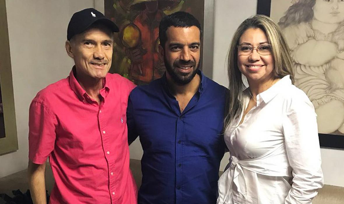 El fallecido Carlos Díazgranados y su esposa Lilibeth Llinás en una foto de diciembre junto al senador Arturo Char.