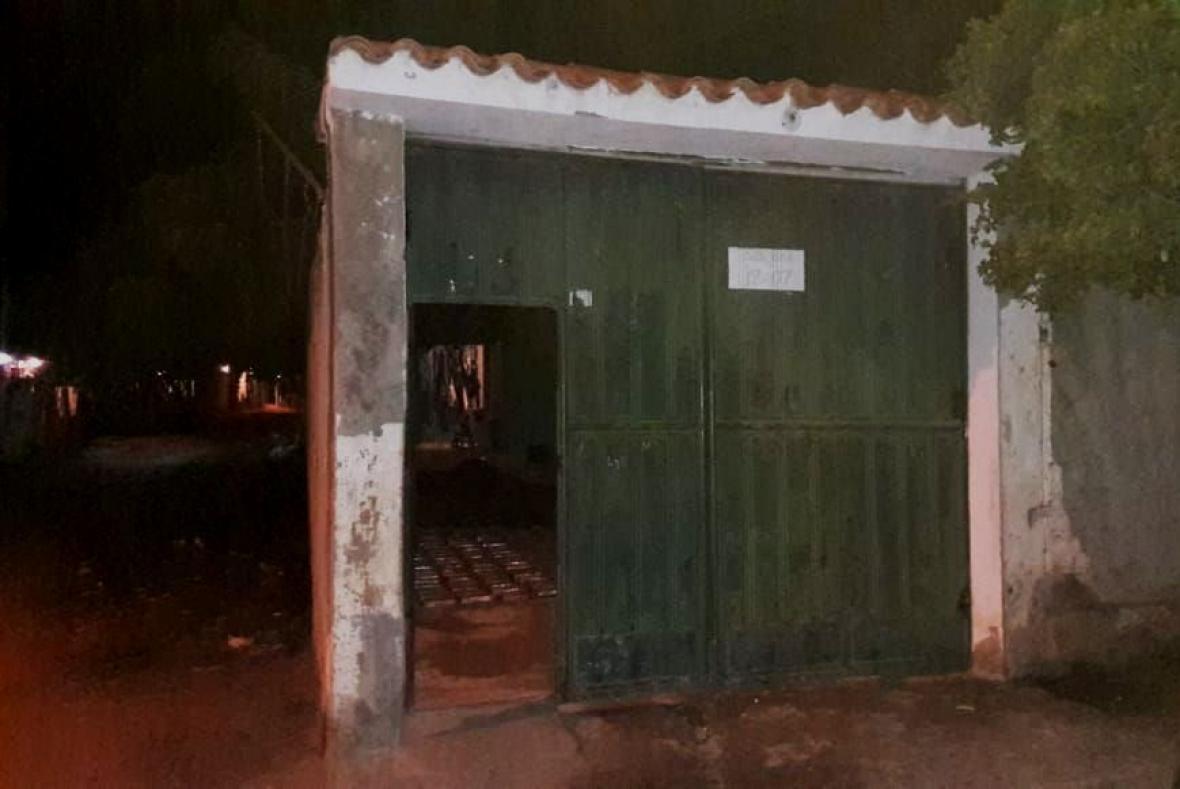 En esta casa de Gaira fueron hallados en el patio los 204 kilos de cocaína.