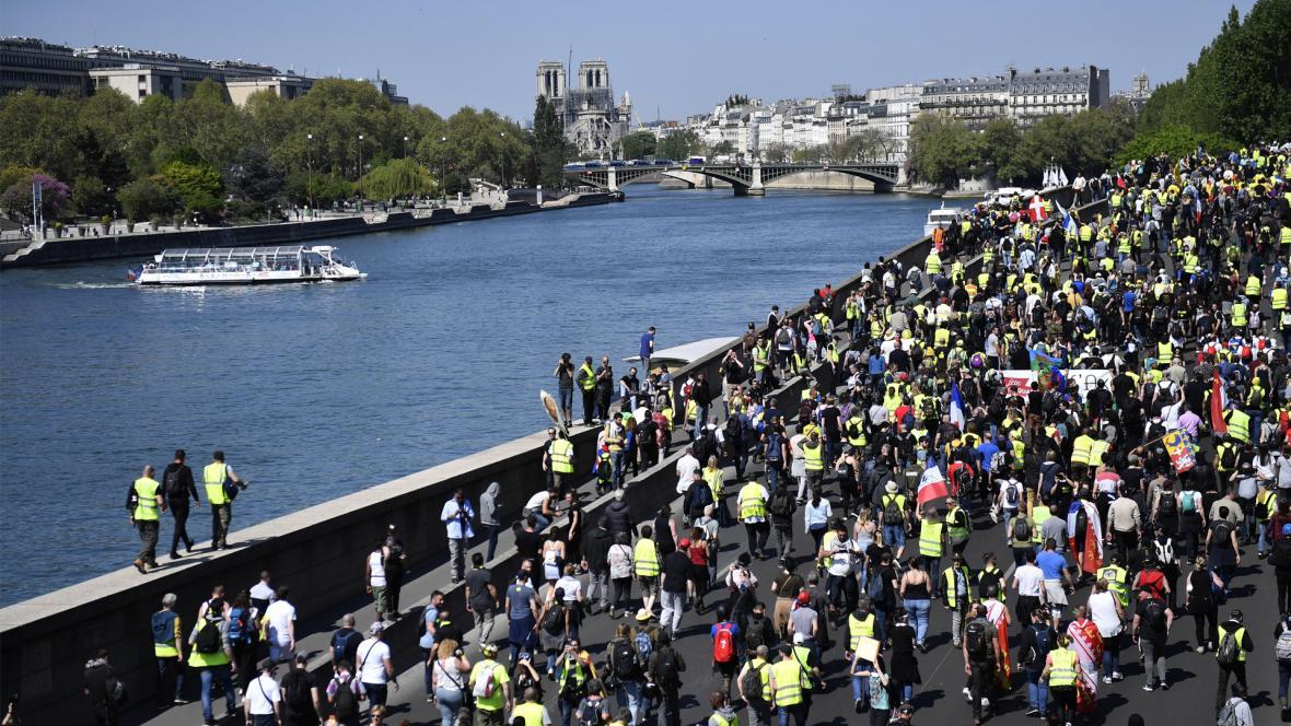 Una de las críticas fue la rapidez con la que se consiguió dinero para la restauración de Notre Dame