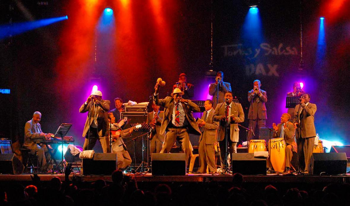 La orquesta cubana Chappottín & sus estrellas.