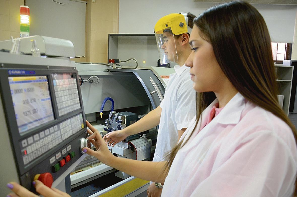 La  institución cuenta con equipos de última tecnología.