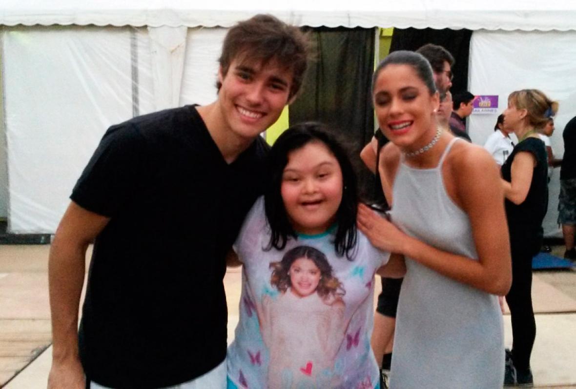 Daniela con los actores de 'Violetta' en Barranquilla.