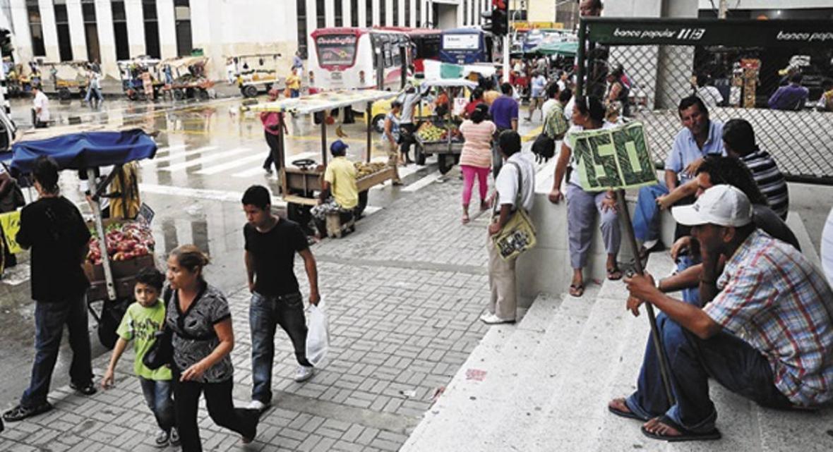 Trabajadores independientes  e informales en el centro de Barranquilla.