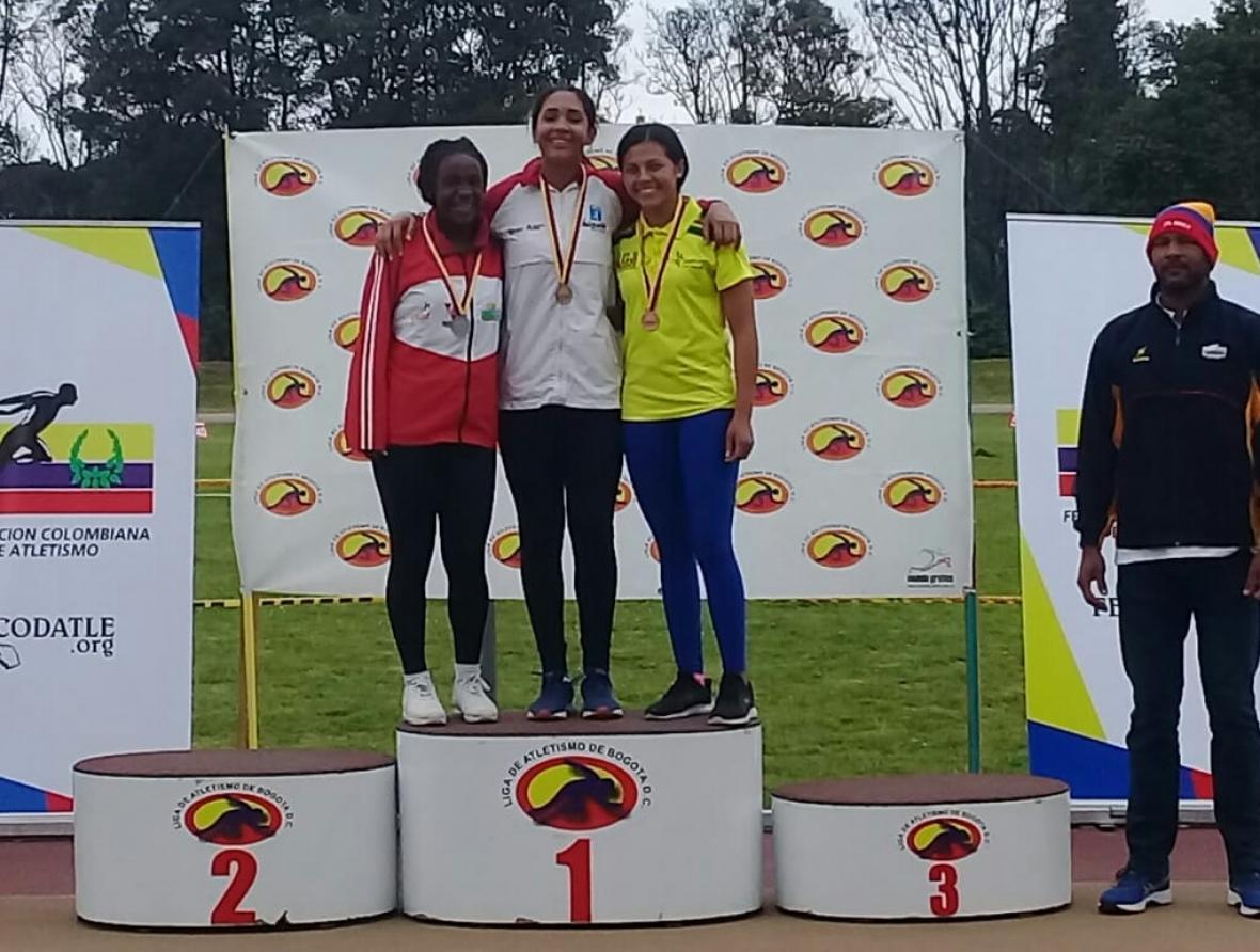 La atleta Valentina Barrios ganó oro en Bogotá.