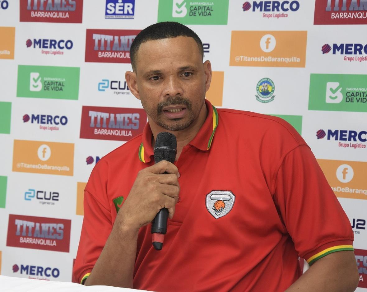 El cartagenero Tomás Díaz, entrenador de los Titanes de Barranquilla.