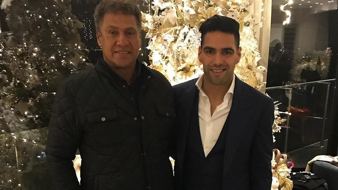 Falcao junto a su padre Radamel García.