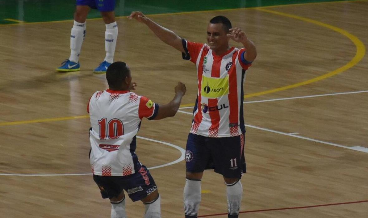 Luis Rodelo festejando su gol ante Alianza Platanera.