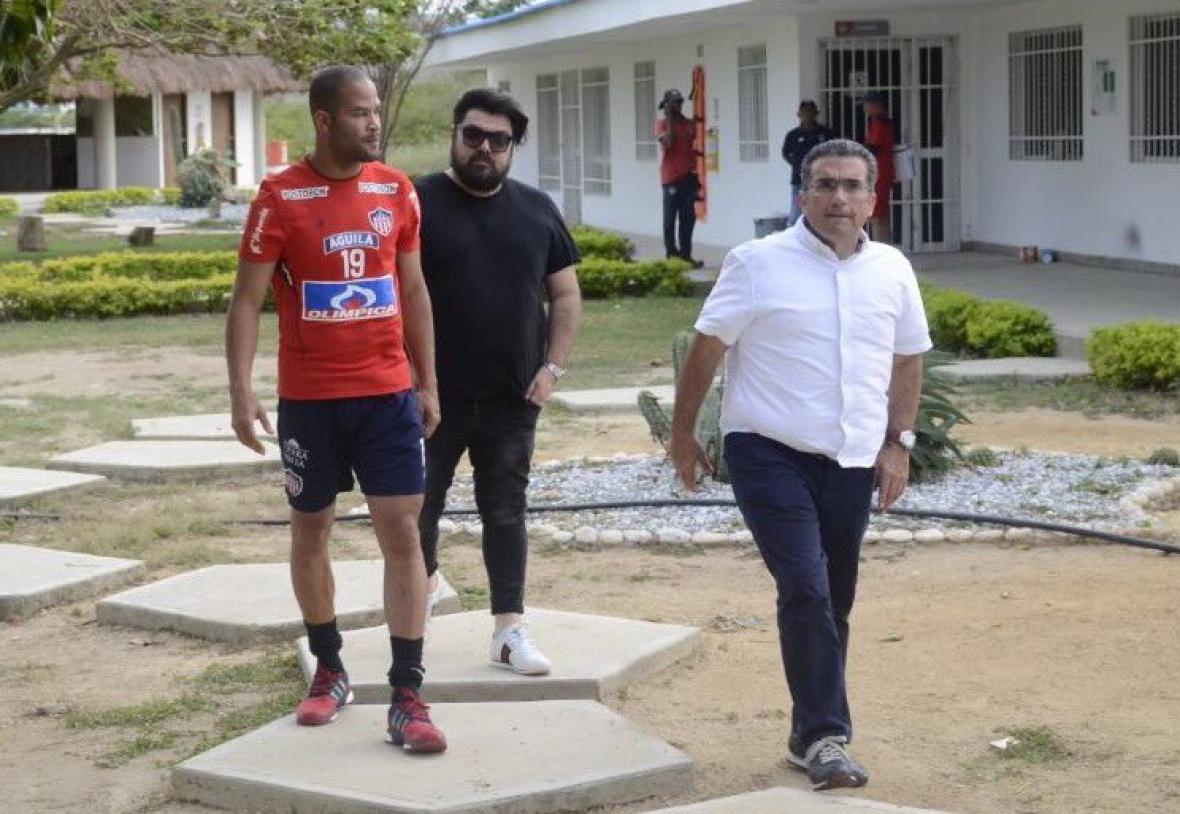 El peruano Alberto Rodríguez firma con Junior de Colombia