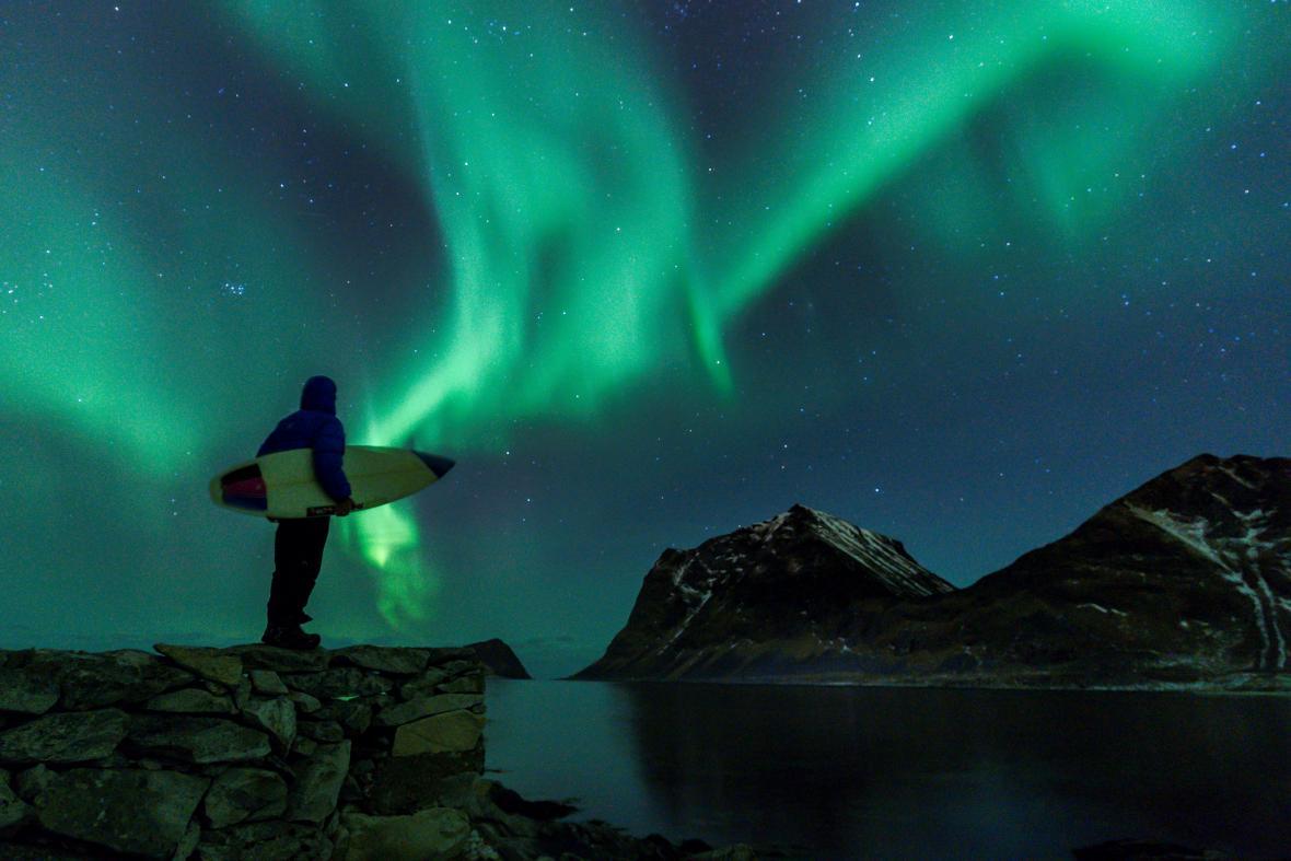 En la noche se pueden apreciar espectaculares auroras boreales.