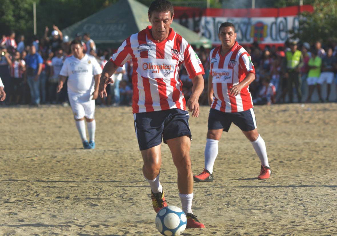 'Tito' Viera jugando en La Magdalena en el 'Partido de las Estrellas'.