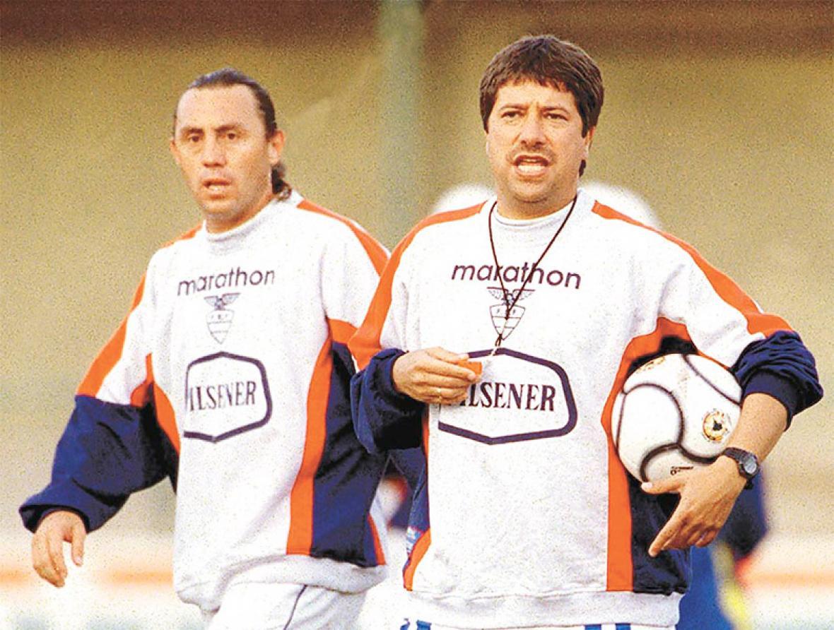 El '10' ecuatoriano junto a Hernán Darío Gómez.