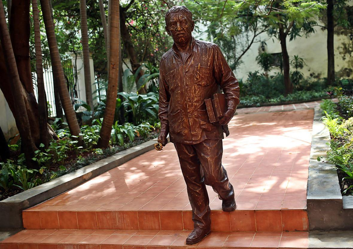 La efigie de Gabriel García Márques es una réplica de la que está situada en el Parque Cultural en Barranquilla.