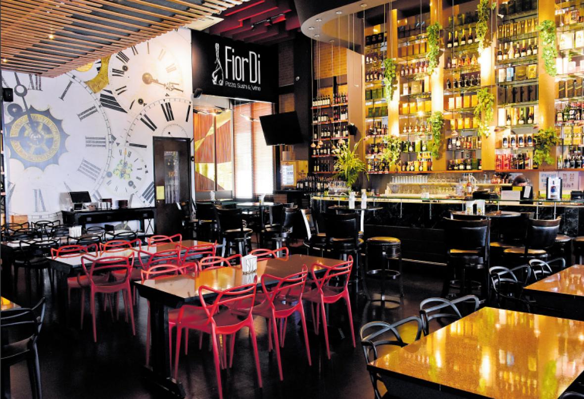 Una de las sedes del restaurante FiorDi Pizza, Sushi and Wine en Barranquilla.