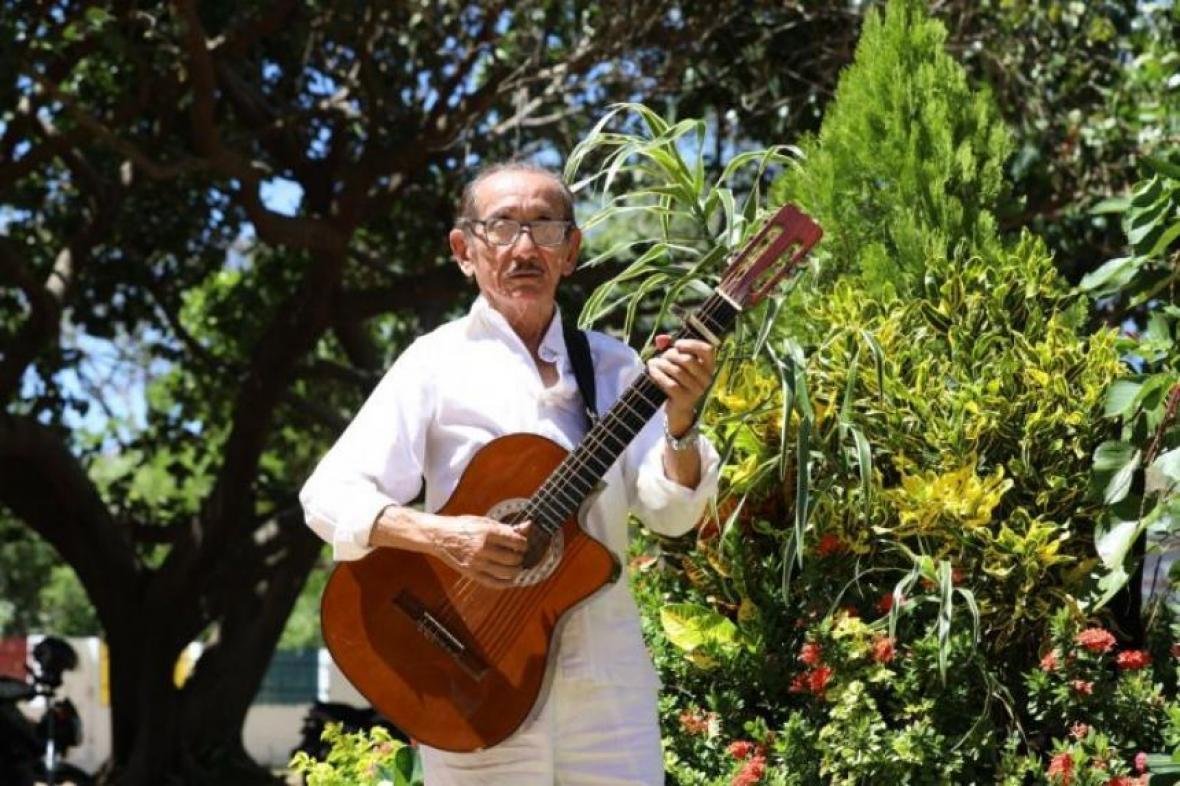 Chabuco, el heredero musical de Hugues Martínez | AL DíA