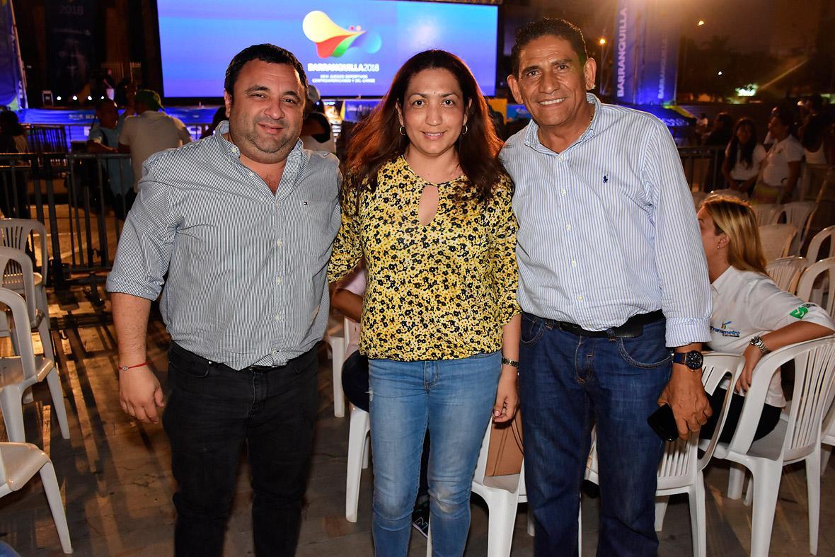 Yesid Turbay, Elania Redondo y Ramón Vides.