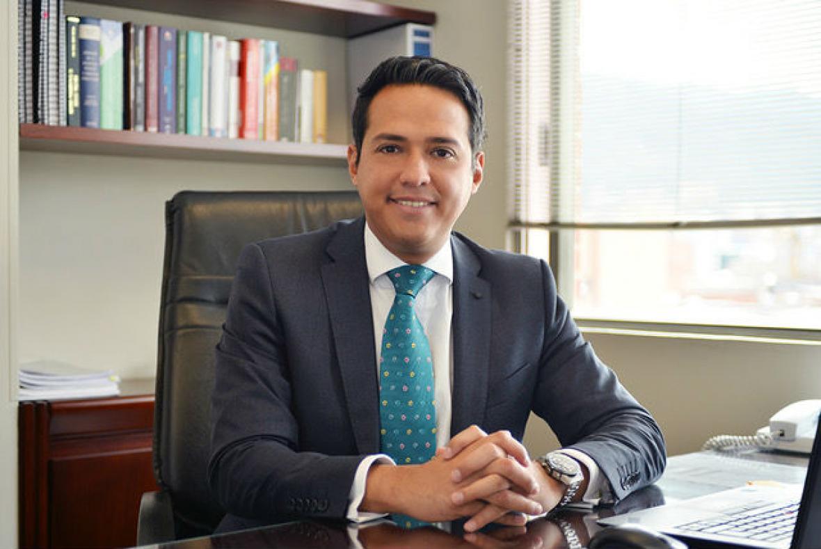 Héctor Falla, especialista en tributación de Araújo & Ibarra.