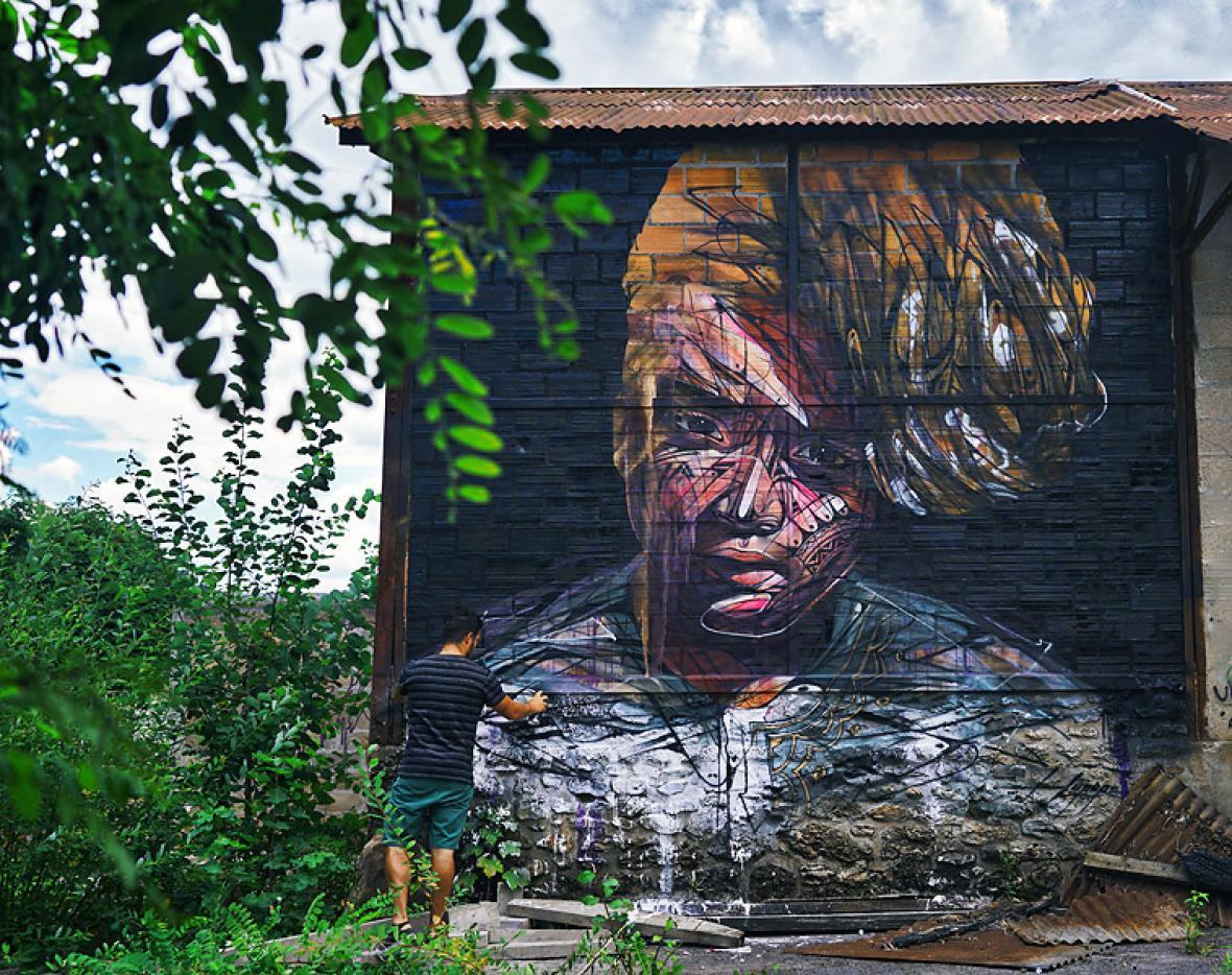 Mural de Hopare, en el distrito Limou RS, París.