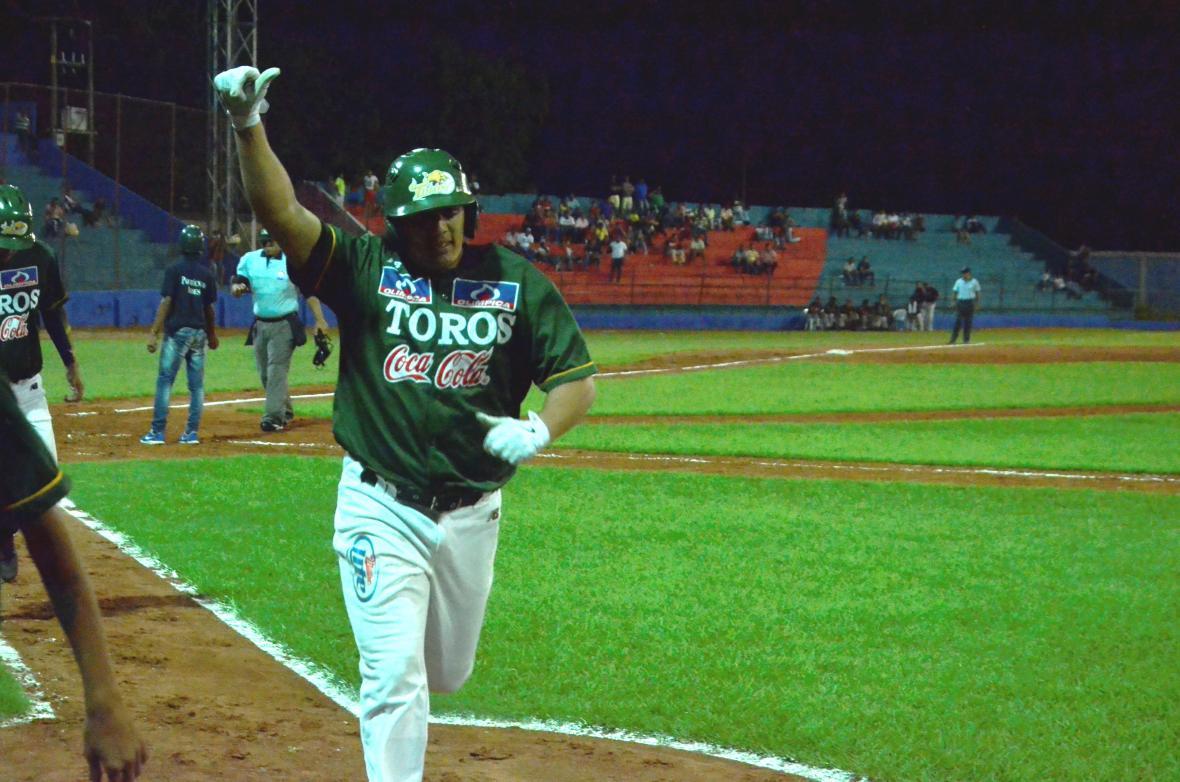 Jhoandro Alfaro.