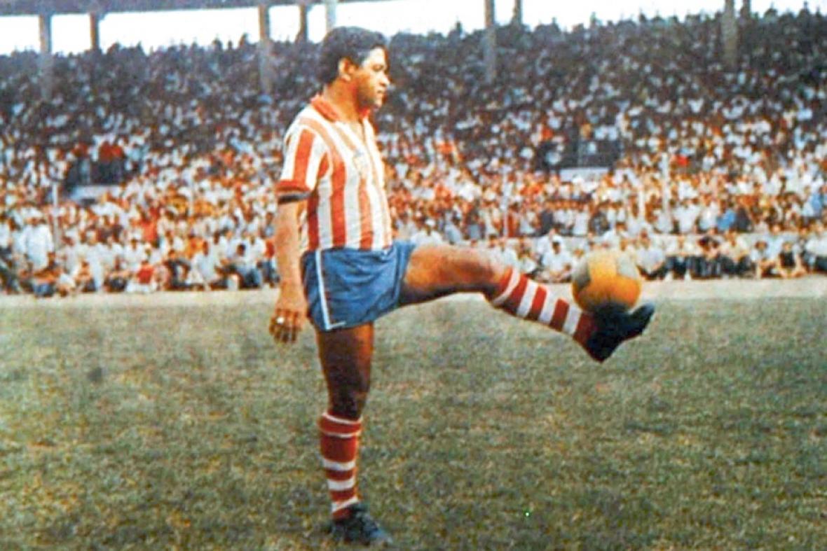 Garrincha el día que jugó con Junior en el Romelio.