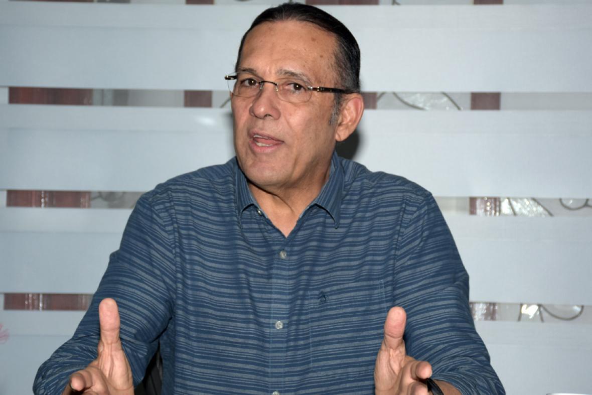 Efraín Cepeda Sarabia, senador.