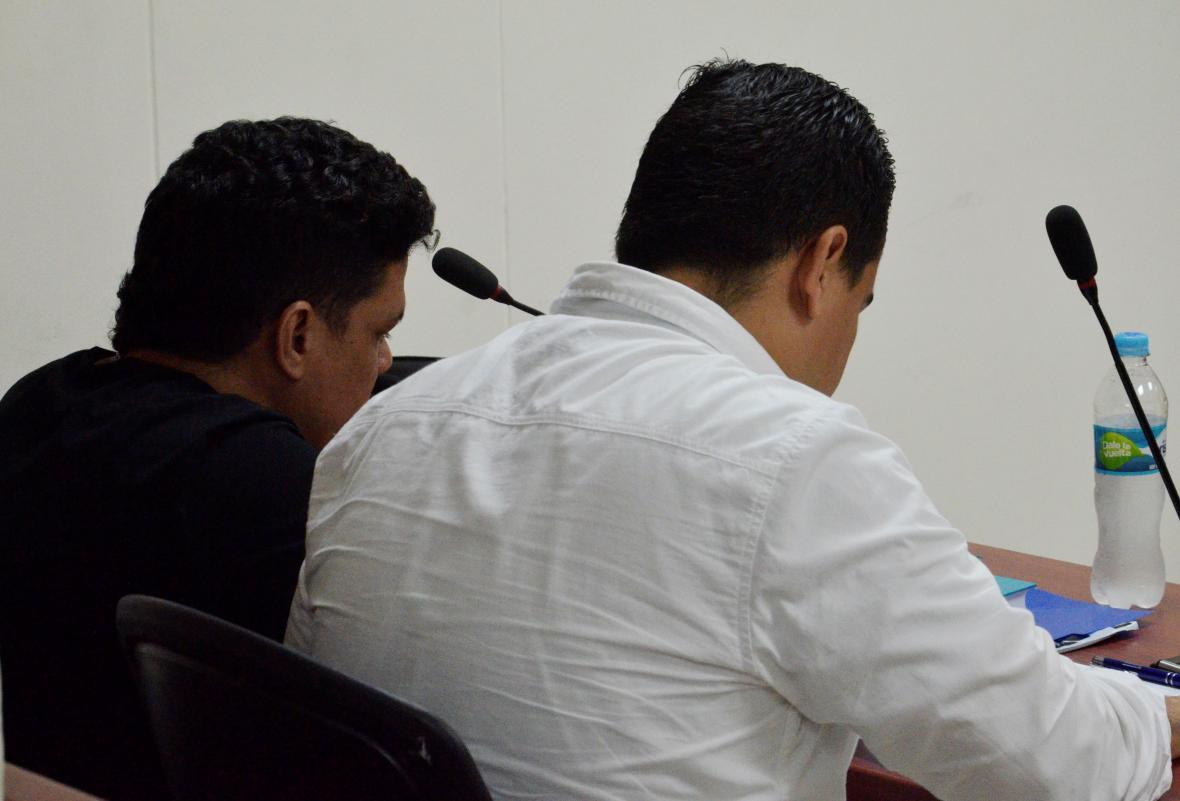 Momento en el que se realiza la audiencia contra el conductor del desaparecido cantante.