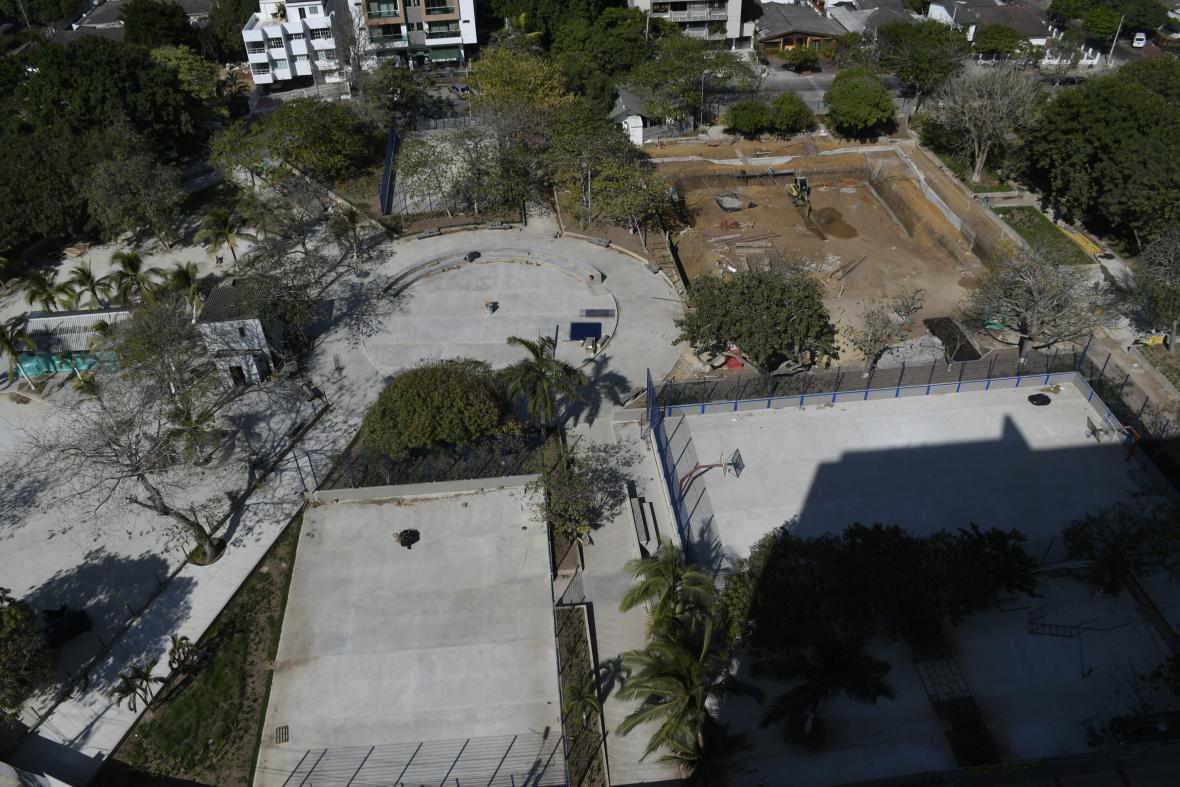 El Parque República de Venezuela fue inaugurado en 1967 gracias a la donación de 500 dólares hecha por Leoni.