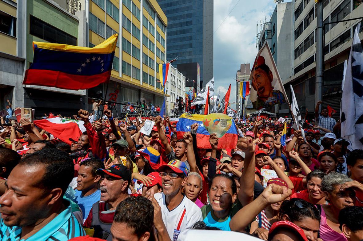 Resultado de imagen para Venezolanos protestan contra la OEA en las calles de Caracas