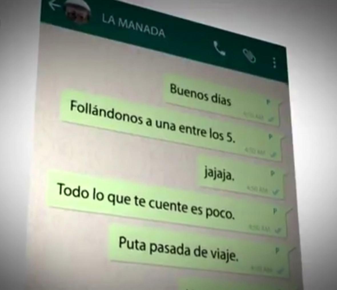 Mensajes sobre la 'hazaña' en el chat del grupo.