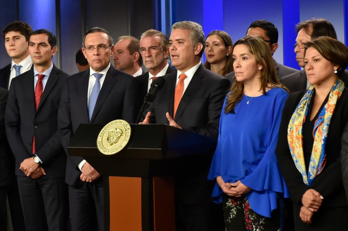 Gobierno asumirá pasivo pensional de Electricaribe y anuncia inversiones