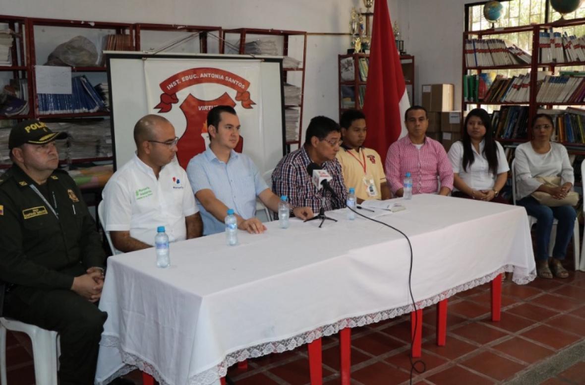 Reunión de las reictivas del Antonia Santos con las autoridades en Montería.