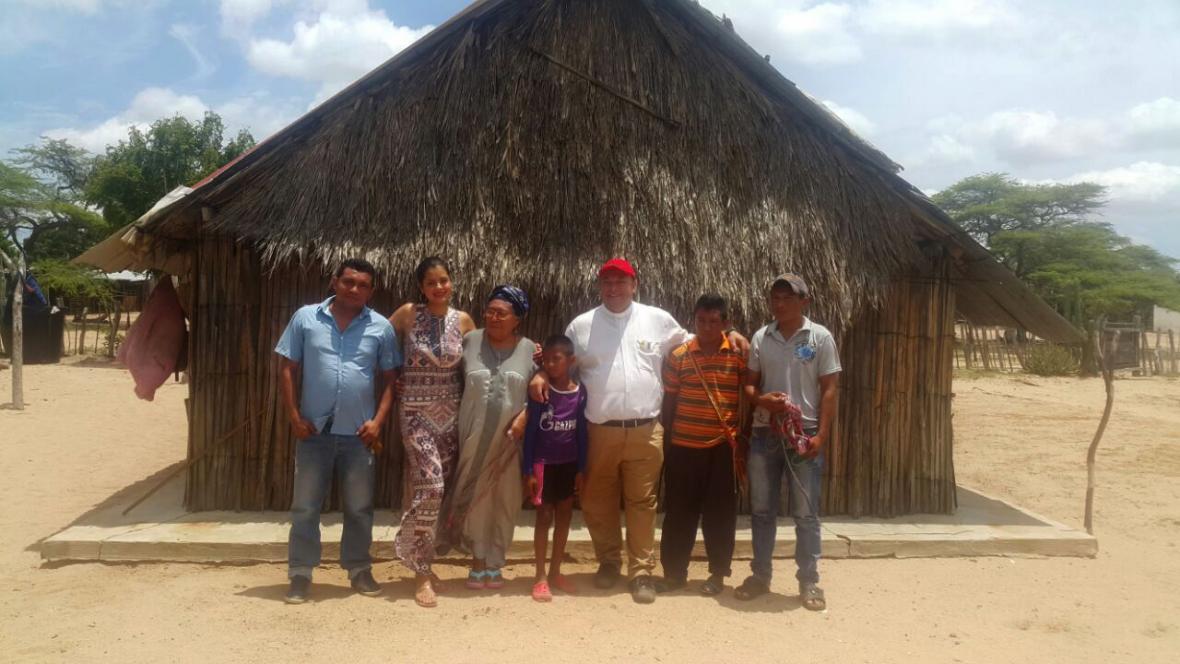 En imágenes: Así avanza la construcción del Papamóvil colombiano