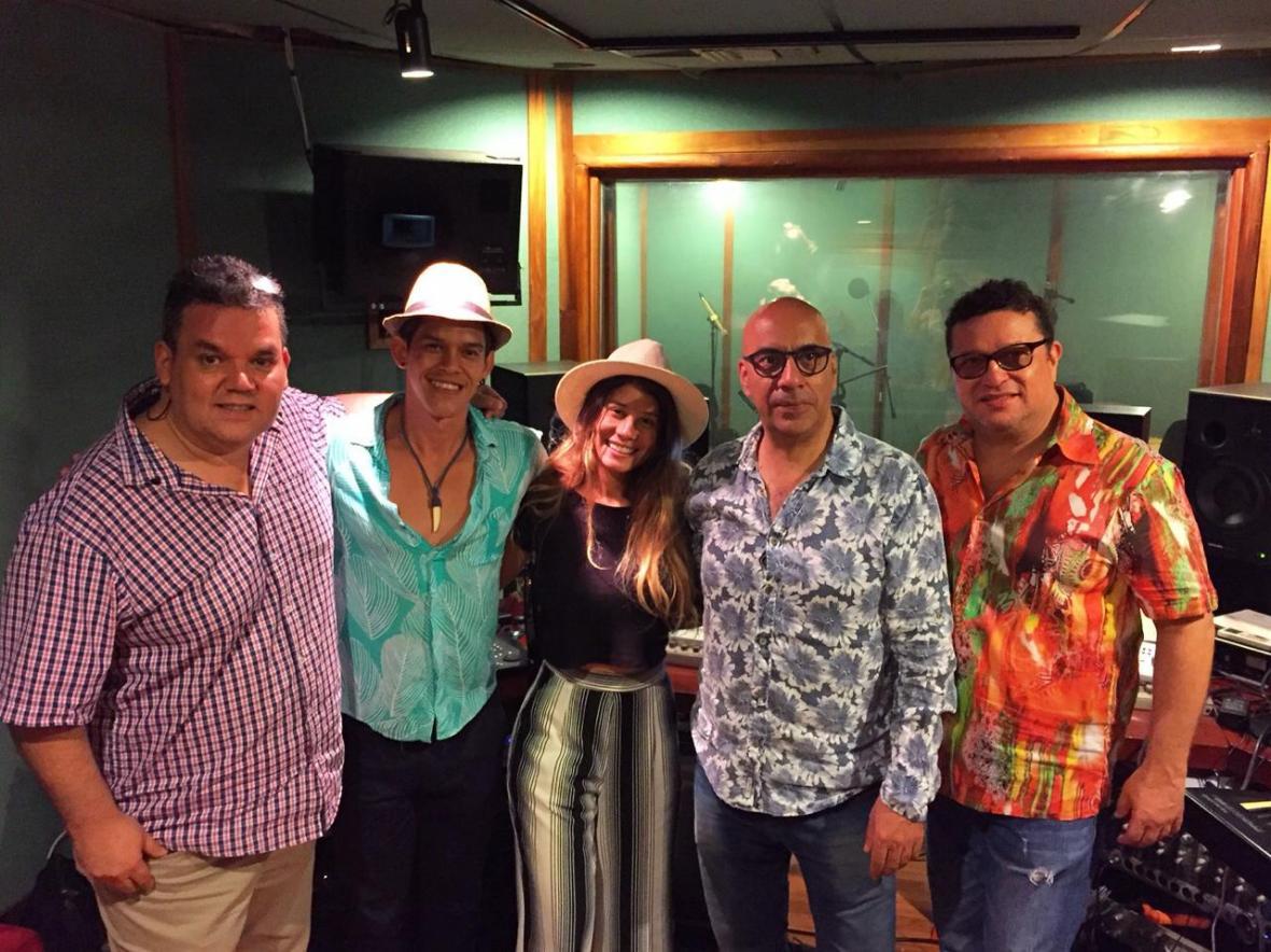 Linica, Iván Benavides y Juventino Ojito en el rodaje del videoclip.
