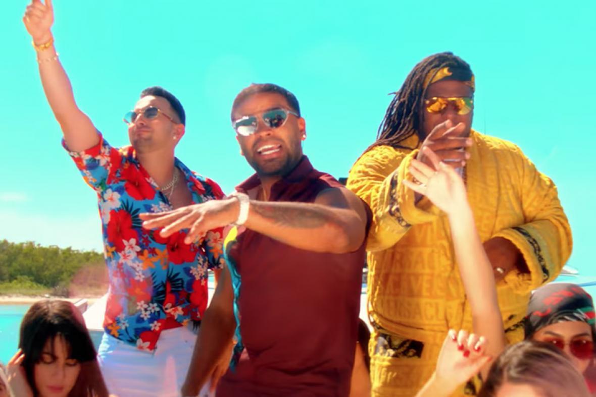 Justin Quiles junto a Zion y Lennox en el videoclip 'No quiero amarte'.