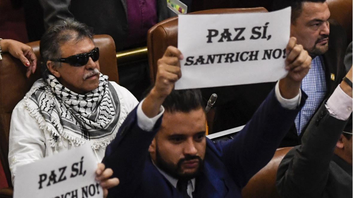 'Santrich' durante una de sus apariciones en el Congreso de la República, donde algunos de sus colegas rechazaron su presencia.