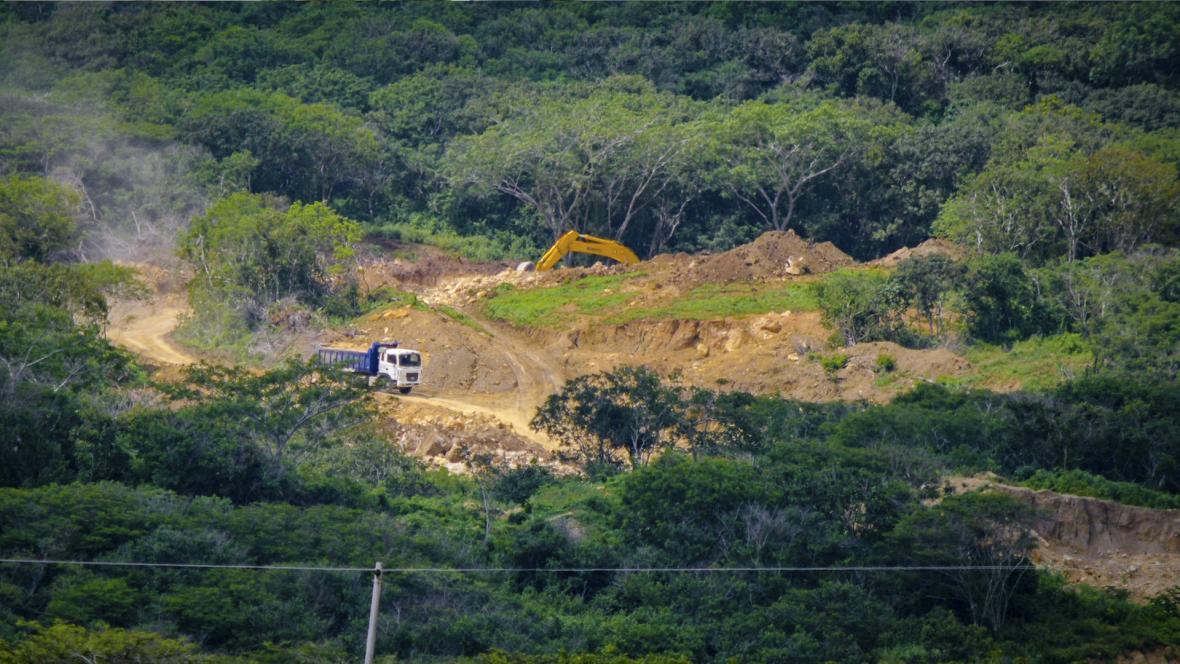 Una de las once canteras legalizadas por la autoridad ambiental en Puerto Colombia, ubicada sobre la Vía al Mar.