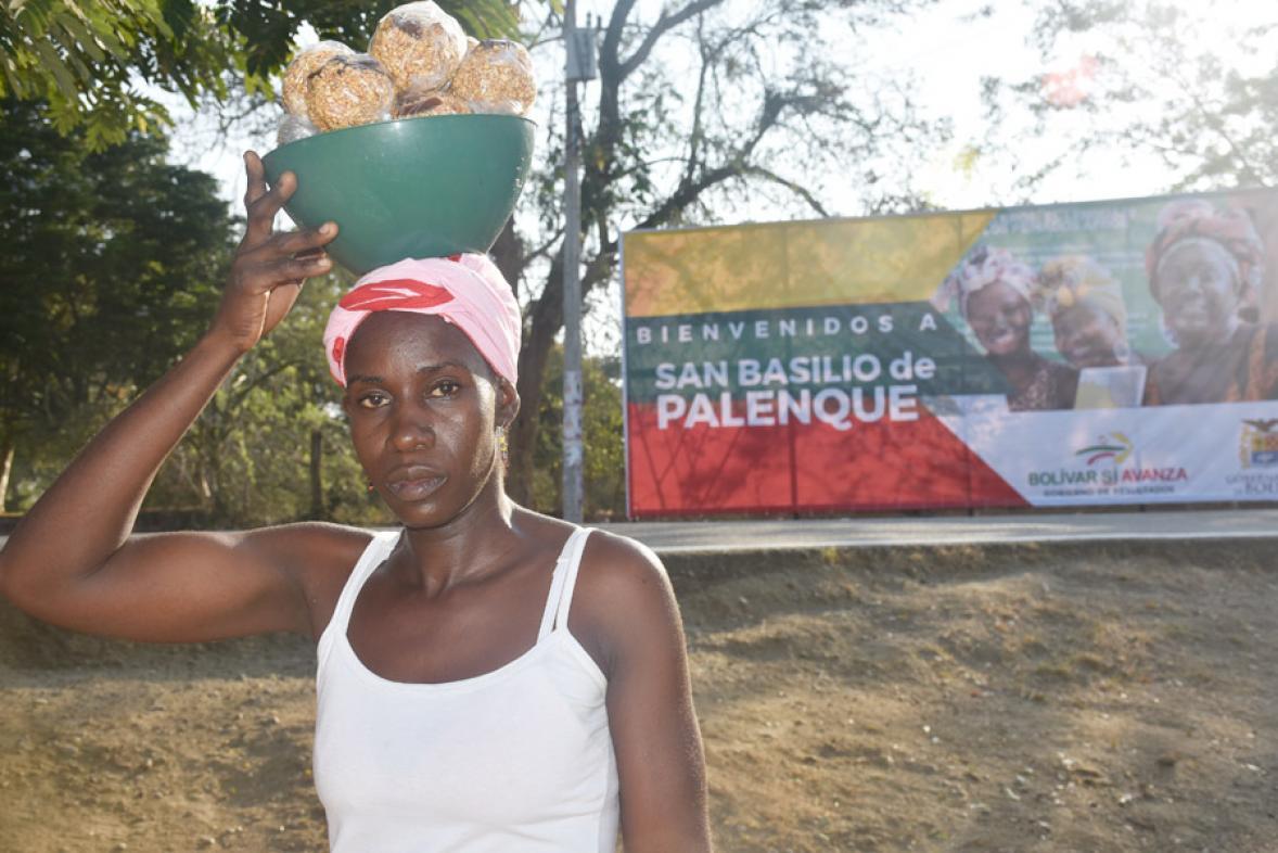 Una dulce bienvenida es la que reciben los visitantes a San Basilio de Palenque.