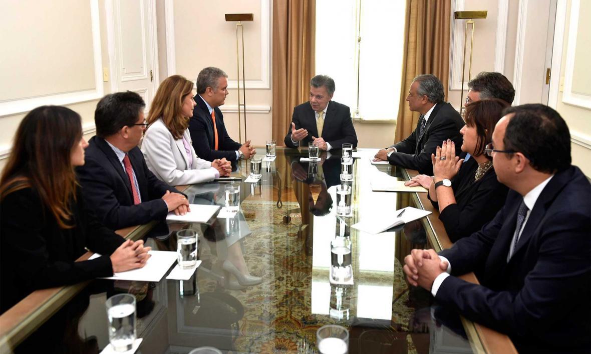 Equipos de Juan Manuel Santos e Iván Duque en primera reunión de empalme en la Casa de Nariño.
