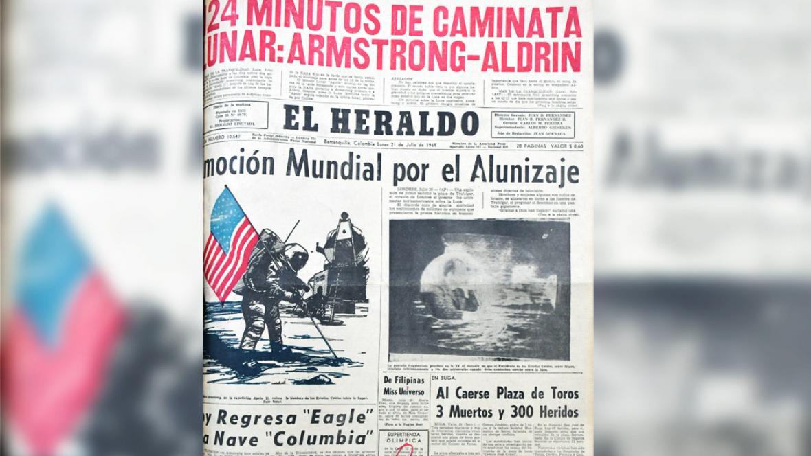 Portada de EL HERALDO anunciando el alunizaje de Apolo 11.