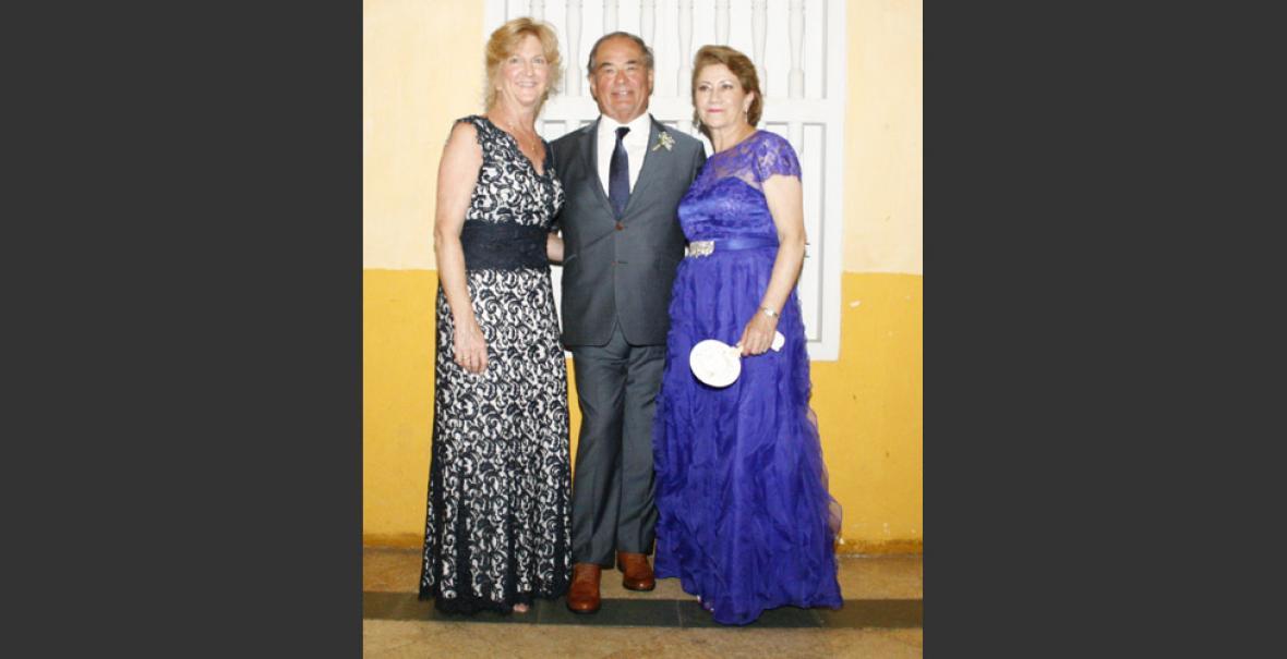 b6ef5484 Jane L'Duval, Ron L'Duval y María Cardona.