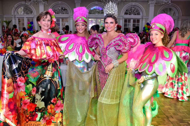 Único Fiesta De Disfraces Deleita Patrón - Ideas de Vestido para La ...