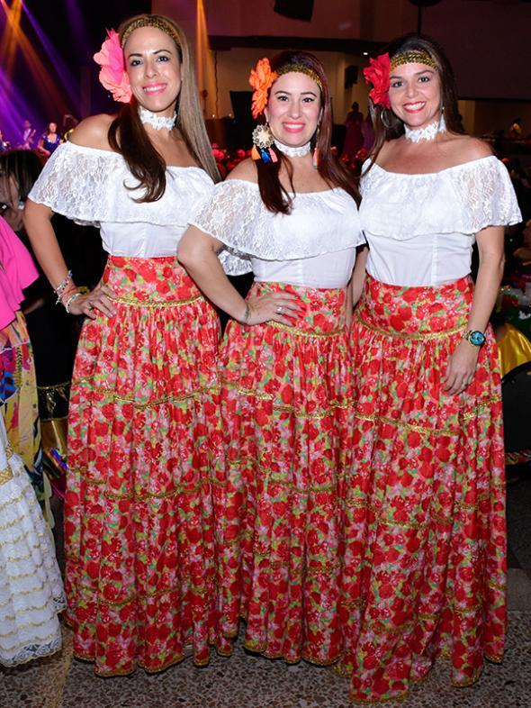 ace04f32cf Fiesta de polleras de  La Ola Caribe