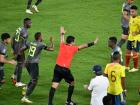 Momento en el que el árbitro peruano Diego Haro anuló el gol de Yerry Mina.