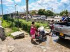 La destrucción de mallas da lugar a cruces inseguros de transeúntes en vías de alta accidentalidad.